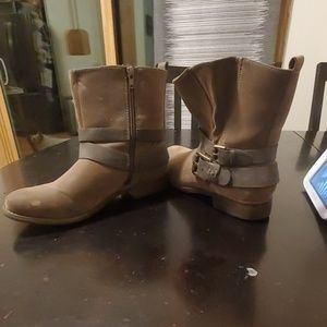 Size 8.5 Maurices brown boots